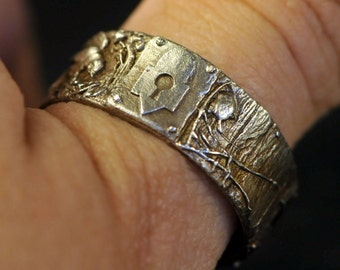 Secret Places Ring in solid 14K white gold