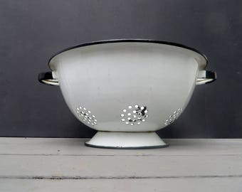 White Colander Enamelware Strainer with Black Trim, has handles Vintage
