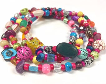 Beaded Necklace - Colorful - Skulls - Skeletons - Day of the Dead - Pink - Long