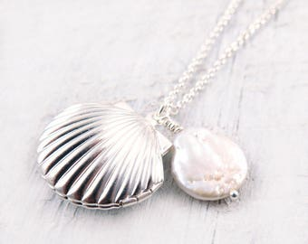 Silver Clam Shell Locket Necklace with Freshwater Pearl