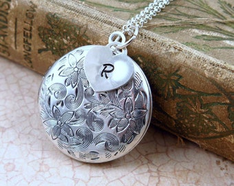 Silver Locket Necklace, Initial Locket, Flower Locket, Initial Necklace, Heart Locket, Initial Jewelry, Christmas Gift, Personalized Jewelry