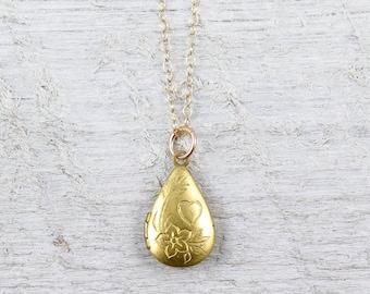 Vintage Gold Teardrop Locket Necklace