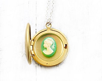 Personalized Locket, Green Cameo Necklace, Initial Necklace, Silhouette Necklace, Gift for Bridesmaids, Wedding Jewelry, Gift for Mom