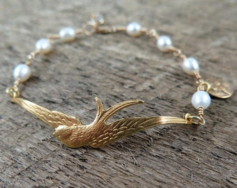 Sparrow Bird and Freshwater Pearl Beaded Bracelet