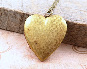 Large Heart Locket Necklace, Vintage Heart Locket, Heart Pendant, Photo Locket, Gold Heart Necklace, Anniversary Gift