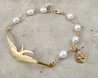 Bird and Freshwater Pearl Woodland Bracelet