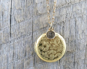Personalized Gold Floral Locket Necklace with Initial