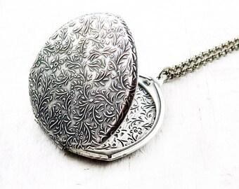 Vintage Large Floral Silver Locket Necklace