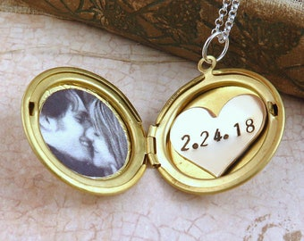 Personalized Gold Locket Necklace with Photo and Custom Date