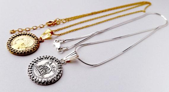 Authentic égyptien Egypte Gold Tone la Reine Cléopâtre Coin Pendentif Charme Collier
