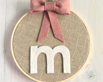 Personalized Custom Girls Bow // Embroidery Hoop // Wall Decoration