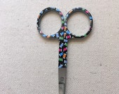 Embroidery scissors with Sewing - Thread Spools Motif - Black, red, blue, green Sewing Thread Spools - 3 1/2 inches