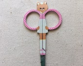 Embroidery scissors with Teddy Bear Shape- Cream and pink Teddy Bear Scissors - 3 1/2 inches