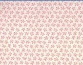Moda Fabric - Floral Gatherings Shirtings by Primitive Gatherings 1105-15 - 1/2 yard - Off-white with pink floral - Cotton Fabric