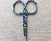 Embroidery scissors with Buttons Motif - blue with buttons - 3 1/2 inches