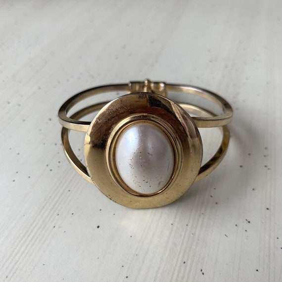 1990s Pearl Clamp Bangle
