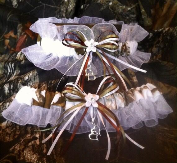 Camo Garter For Wedding: Items Similar To SNOW CAMO Realtree Wedding Garter SET
