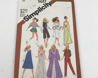 Simplicity 5637 Barbie Wardrobe  Clothes Sewing Pattern UNCUT