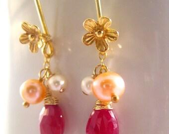 I Daisy I - Ruby Pearl Earrings