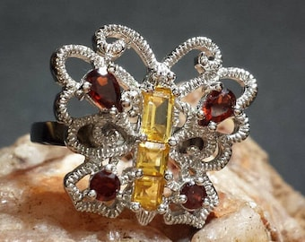 Vintage Butterfly Ring with Gemstones Size 7 / Garnet & Citrine in Textured Sterling Silver Butterfly Estate Ring Size 7 / Free Shipping