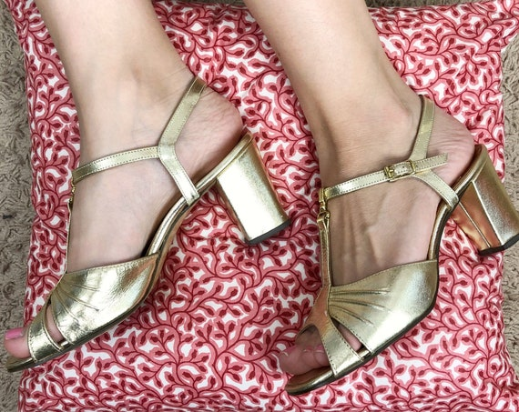 70s Women's Gold Disco Heels Size 6.5M T Strap Ankle Strap Peep Toe Dancing Shoes Chunky Heels 70s Shoes Epsteam