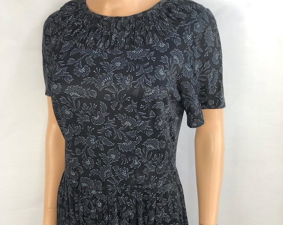 60s Women's Casual Day Dress Size 6 Black Floral Print Pleated Neckline 60s Clothing Epsteam