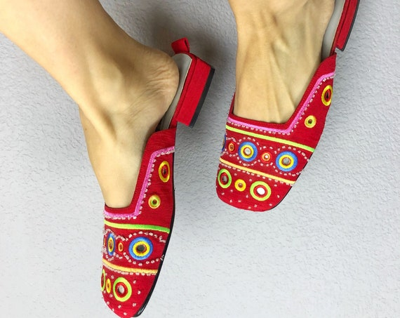 90s Women's Beaded Mules Casual Slip On Shoes Size 8.5M Nordstrom BP Embroidered Low Heel Indian Inspired 90s Clothing Epsteam