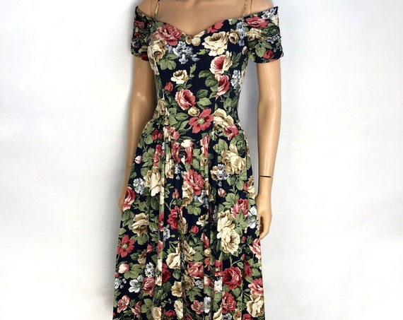 80s Women's Floral Cocktail Dress by Karin Stevens Petites Size 6 Fit and Flare Off The Shoulder Dress 80s Clothing Epsteam