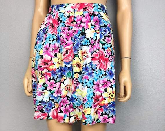 90s Women's Liz Wear Petite Floral High Waisted Shorts Size 4P Wide Leg Bermuda Shorts 90s Clothing Epsteam