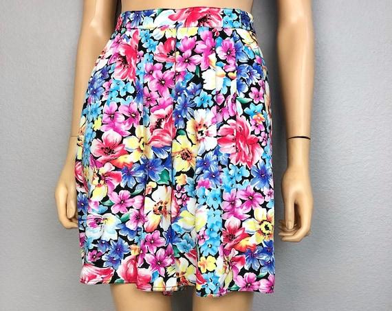 90s Women's Liz Wear Petite Floral High Waisted Shorts Size 4P Wide Leg Bermuda Shorts 90s Clothing Epsteam