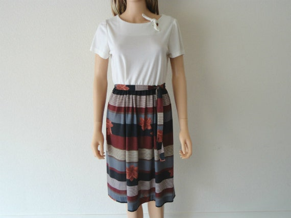 Vintage Casual Dress 80s 90s White Floral And Stripes Epsteam
