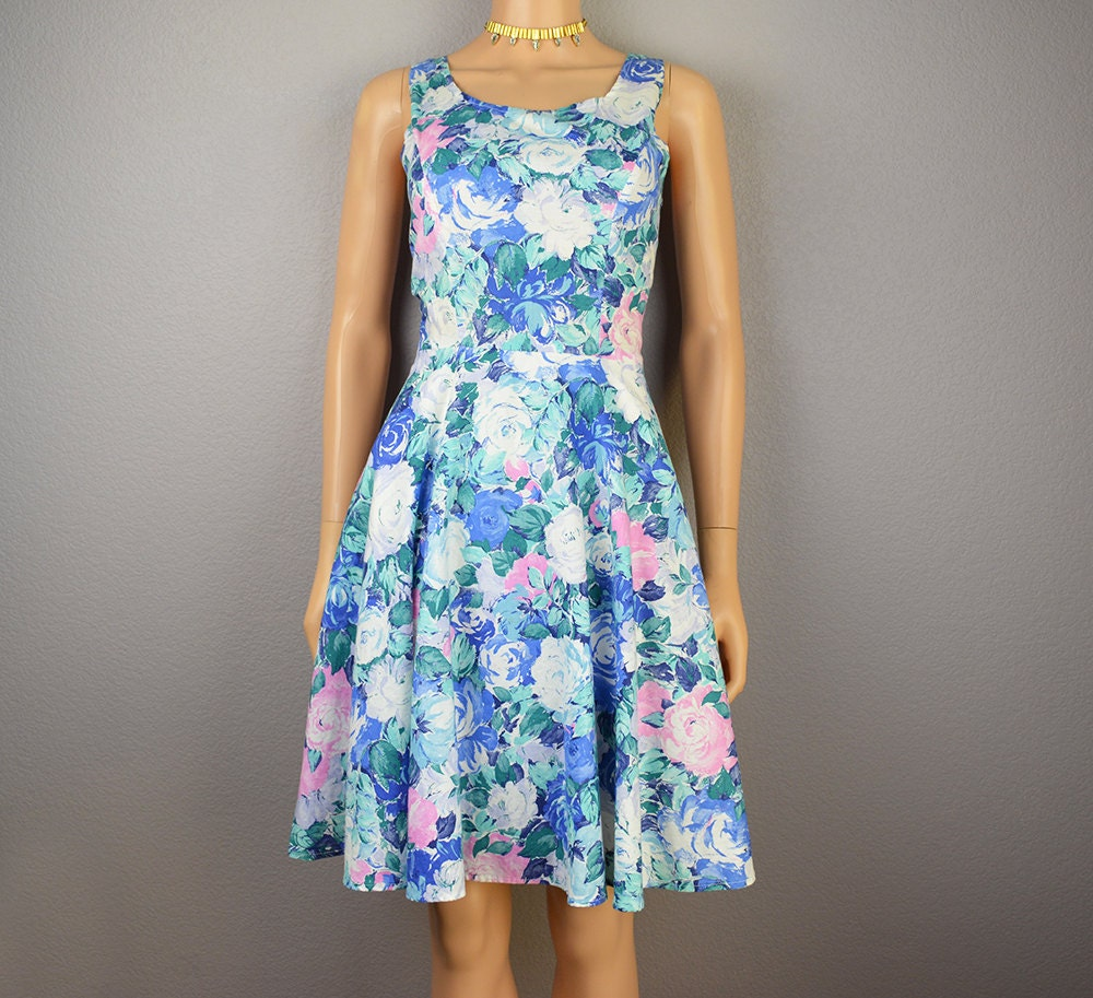 80s floral cocktail dress blue with pink and white flowers 80s floral cocktail dress blue with pink and white flowers sleeveless knee length size 7 80s dress epsteam izmirmasajfo