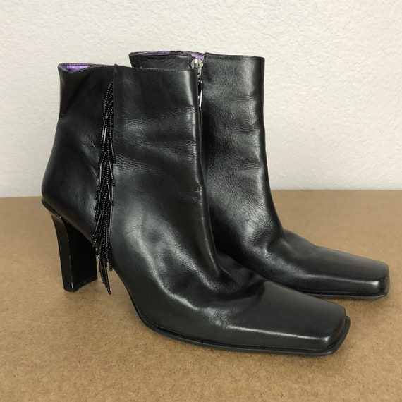 90s Women's Enzo Angiolini Beaded Leather Booties Size 8M Black Square Toe Plastic Heel Boots 90s Shoes Epsteam