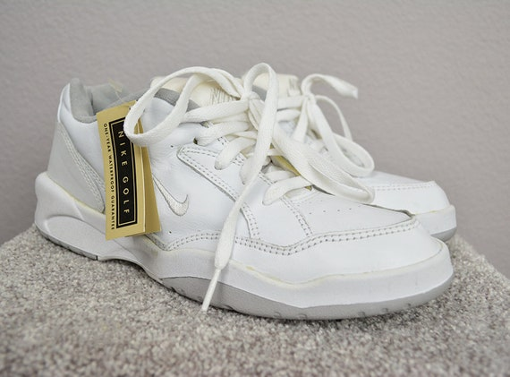 90s Women's Nike Golf Shoes With Replacement Spikes White Leather Size 8.5 Medium 90s Athletic Shoes Epsteam