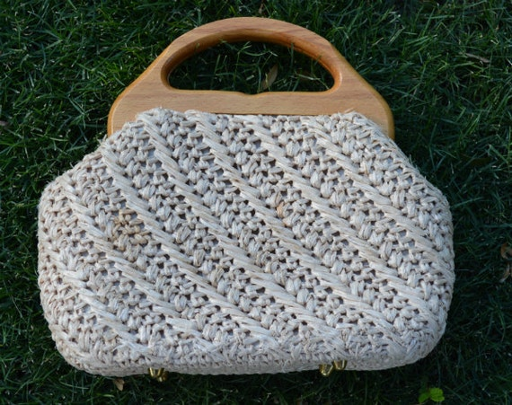 60044fa2403 ... Straw Purse With Wooden Handle 60s Purse Tan Top Handle Straw Bag  Vintage Epsteam