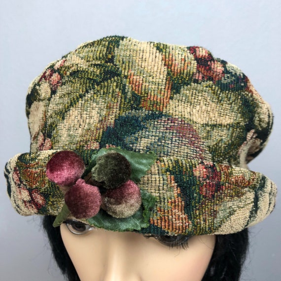 90s Women's Toucan Collection Tapestry Bucket Hat One Size Rolled Brim Floral Berry Print Epsteam