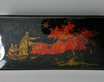 Russian Lacquer Hinged Box 1980s Handpainted Horse Drawn Sleigh Bright Red Interior Signed by Artist