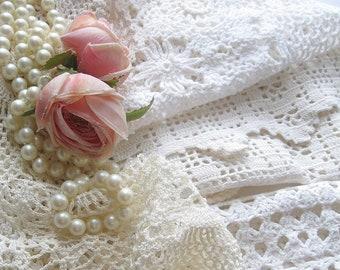 Lot de napperons au Crochet, Six pièces, au Crochet, Français Shabby, fournitures de couture, centres de Tea Party, en vrac par mailordervintage sur etsy