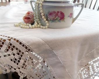 Vintage nappe, magnifique nappe bordure au Crochet, Shabby Français, linge ancien, linge de Table, linge de salle à manger, par mailordervintage