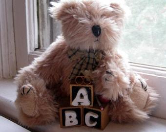 Peluche ours, peluche, ABC collection ours, peluche ours, Chambre enfant, jouets animaux rembourrés, ours, par mailordervintage sur etsy