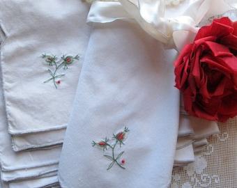 Six grandes serviettes de tissu avec des fleurs brodées, serviettes Vintage en vrac, linge de Table, serviettes de table mariage, par mailordervintage sur etsy