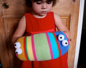 Knit your own Two-Headed Monster Muff (pdf knitting pattern)