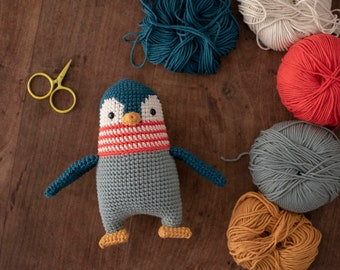 Pica Pau Amigurumi Crochet Toy Penguin Pattern.  Humboldt Penguin