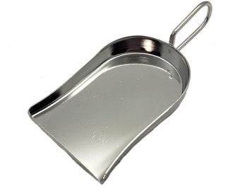 1 Bitty Cute Silver Metal Scoop