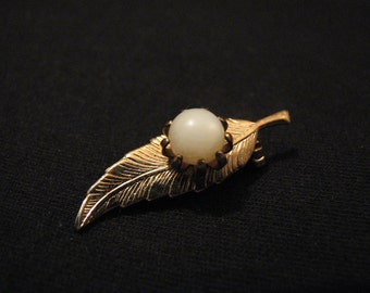 Vintage Gold Tone Faux Pearl Leaf Pin Brooch