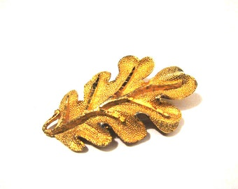 BIG Vintage Gold Tone Leaf Pin Brooch