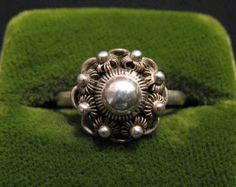 Antique Schoonhoven Netherlands Dutch Sterling Silver Cannetille Etruscan Filigree Wire Work Florets Dome Ring
