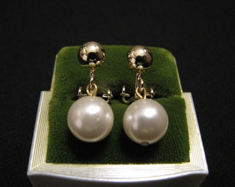 Vintage Gold Tone and White Faux Glass Pearl Ball Dangle Clip Earrings