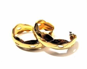 Vintage Gold Tone Swirled Wave Hoop Pierced Earrings