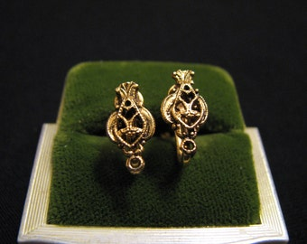 Antique Victorian Gold Plated Filigree Shield Screwback Earrings